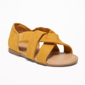 Old Navy || Slouchy Faux Suede Strap Sandals